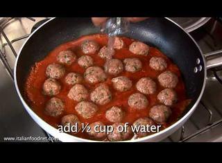 Ricetta: polpette di carne al sugo con peperoni