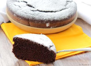 Come fare una torta al cioccolato senza burro e uova