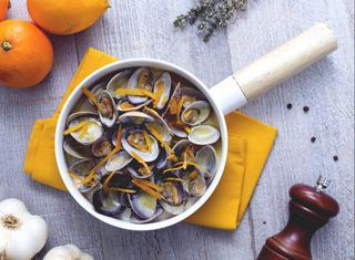 Sautè di vongole all'arancia
