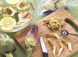Come pulire e cuocere carciofi
