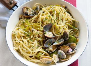 Spaghetti alle vongole veraci e friarelli