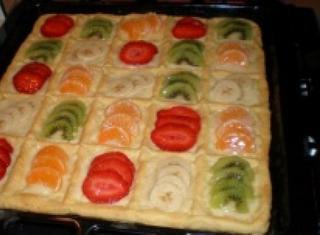 Come preparare una crostata con crema pasticcera e frutta