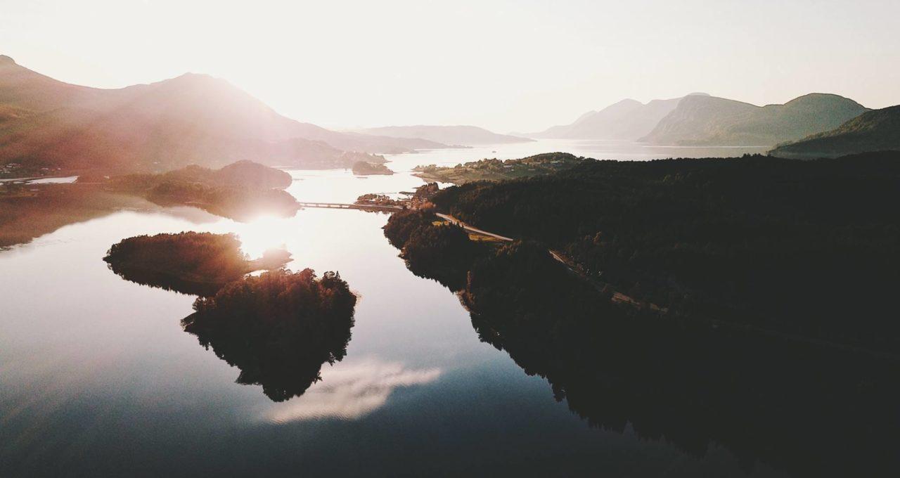 Valsøya og Engholmen ved solnedgang