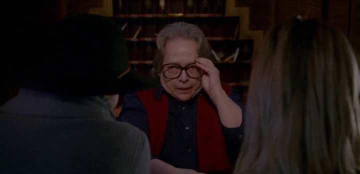 American Horror Story : saison 5 promettait de faire des étincelles avec son petit changement de casting. Et après l'avoir regardé, je peux dire que c'est la meilleure saison de la série.