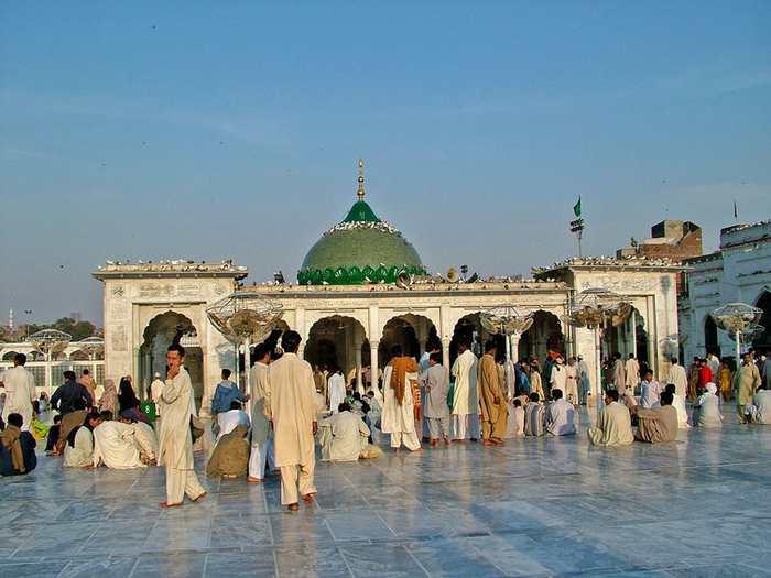 La tombe Data Ganj Bakhsh au Pakistan - Guilhem Vellut, CC BY