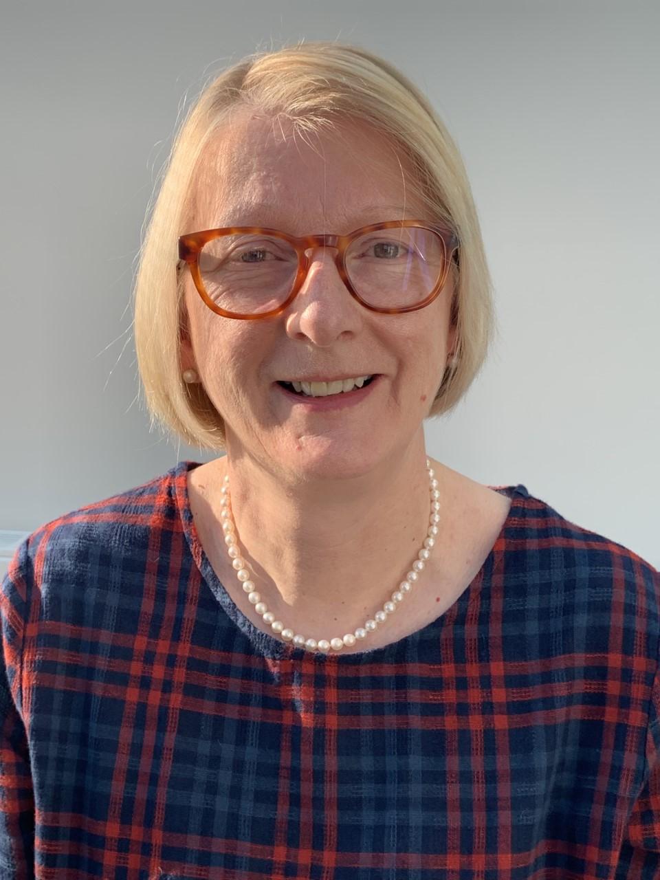 Melanie Dearing : Business & Finance Officer