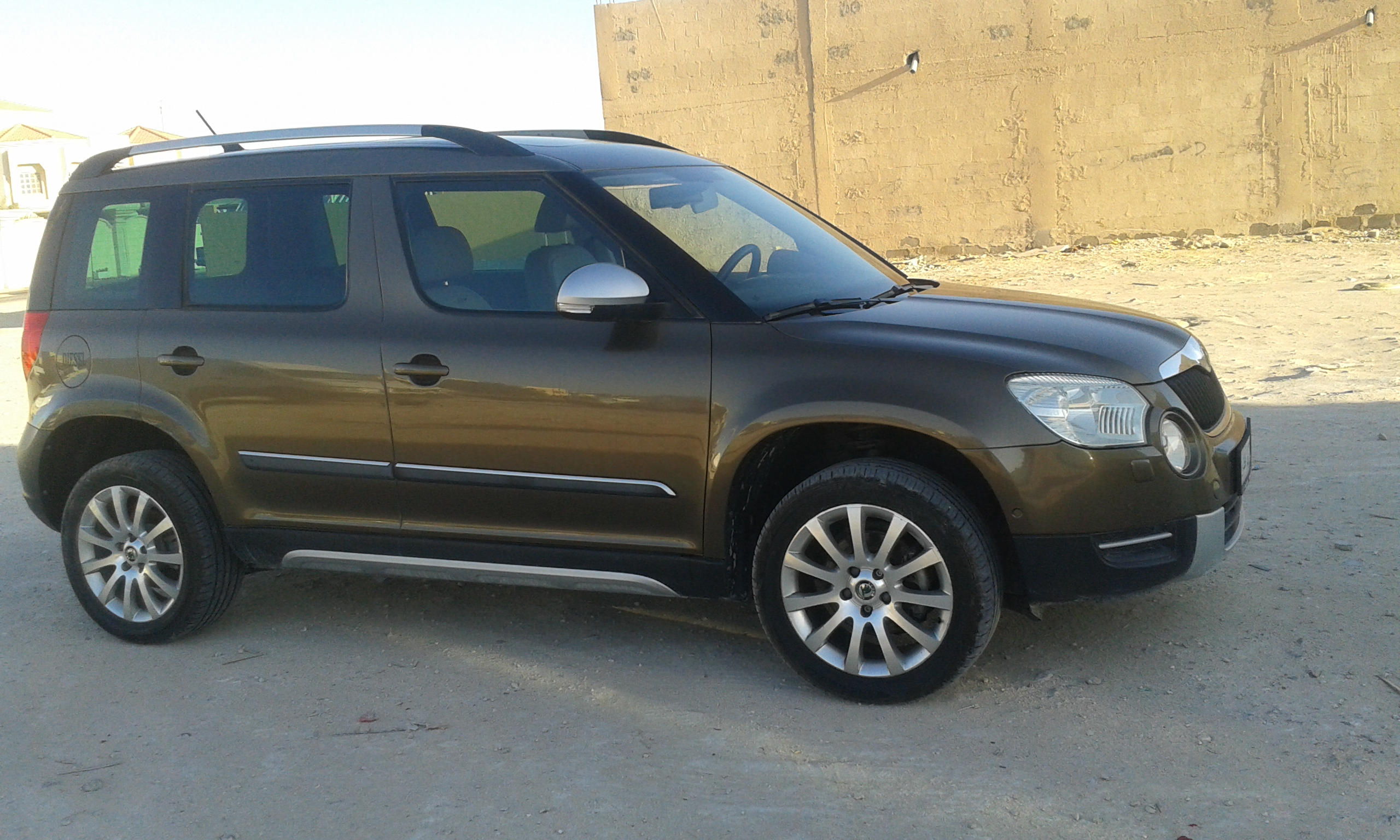 skoda yeti 4x4 model 2011 for sale qatar living. Black Bedroom Furniture Sets. Home Design Ideas