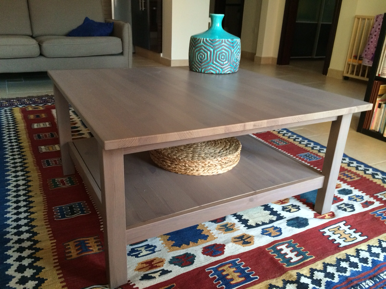 Coffee table from ikea 200qr qatar living for Table 90x90 ikea