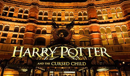 Harry Potter and the Cursed Child (Part One) London виниловые обои marburg allure 59407