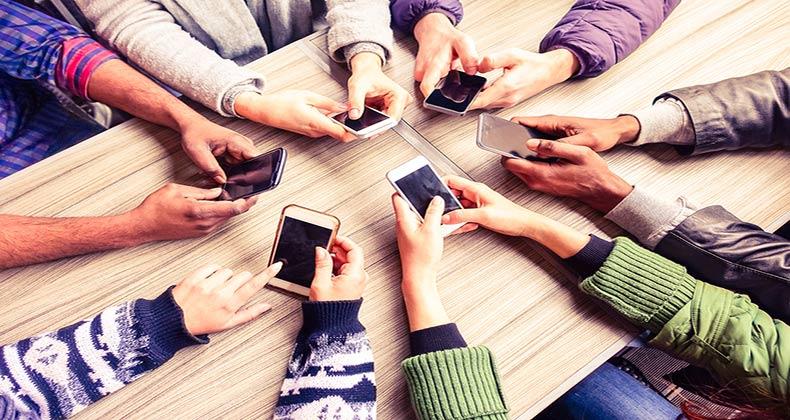 uso-movil-espana-sms-datos