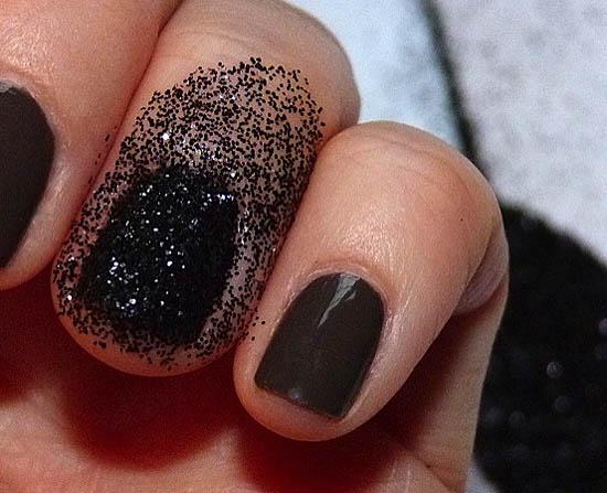 glitter on fingers