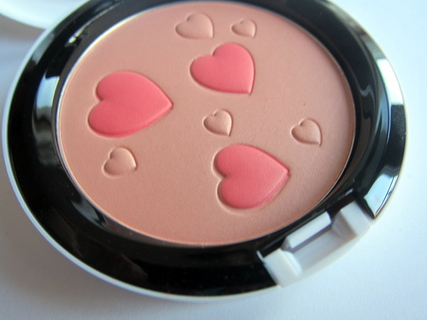 MAC Flatter Me Pearlmatte Face Powder Archie's Girls