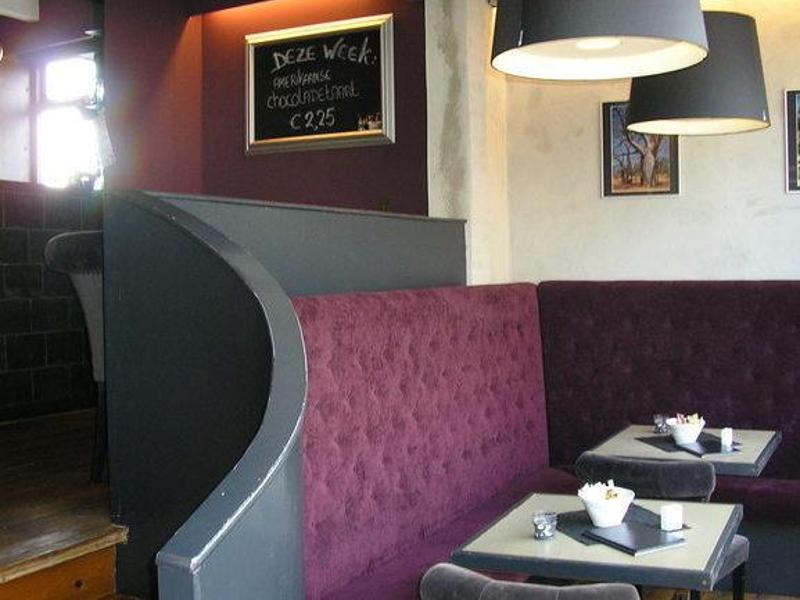 Reserveer een tafel bij restaurant kom aan tafel in sliedrecht - Eigentijdse keuken tafel ...
