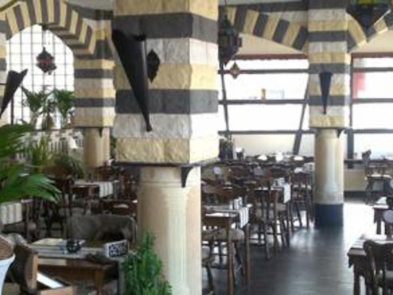 Reserveer een tafel bij restaurant bab al hara in rotterdam for Hartman interieur rotterdam
