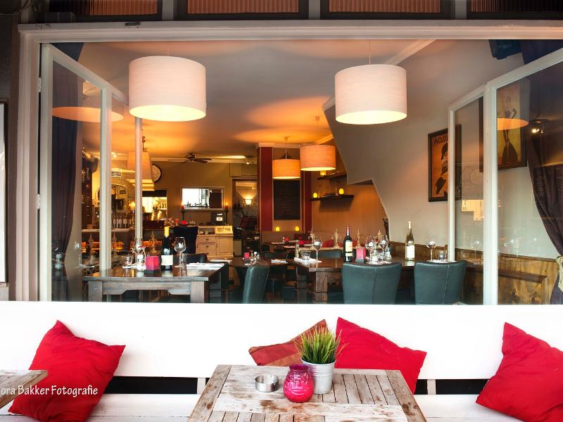 Reserveer een tafel bij Restaurant De Eetkamer van Scheveningen in ...