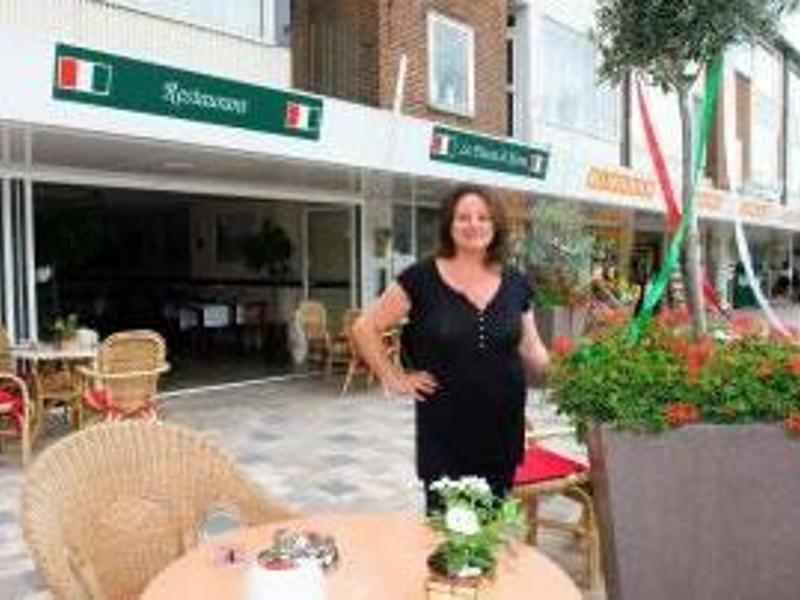 reserveer een tafel bij restaurant la piazza di roma in amersfoort. Black Bedroom Furniture Sets. Home Design Ideas