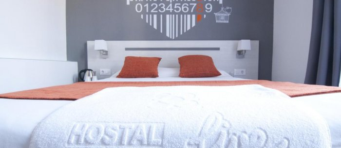 Hostal live barcelona barcelona hotel por horas for Hostal familiar barcelona