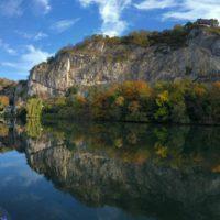 ... le long de la Meuse, au pied des Rochers de Frêne (Photo: Marc M)