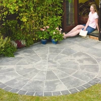 Image of: Patio Slab Circular Kit - Old Riven Autumn Silver Circle