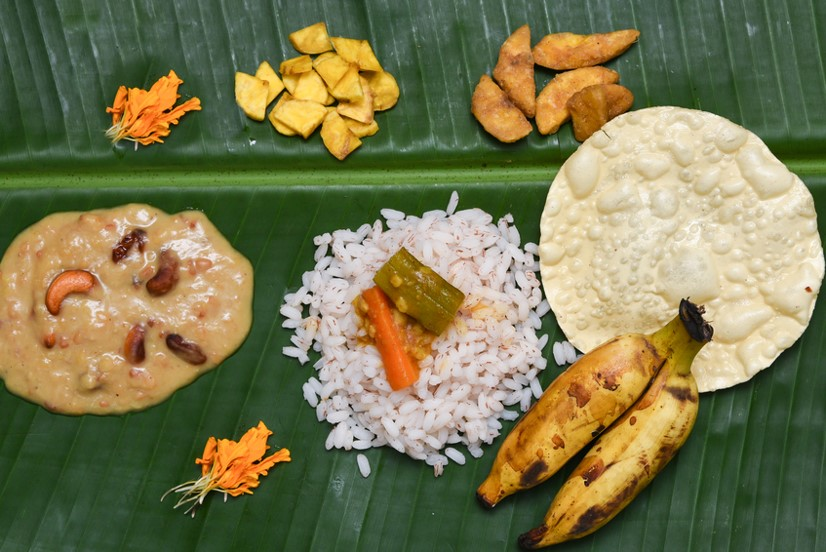 Holidays in Kerala - Sadya on banana leaf
