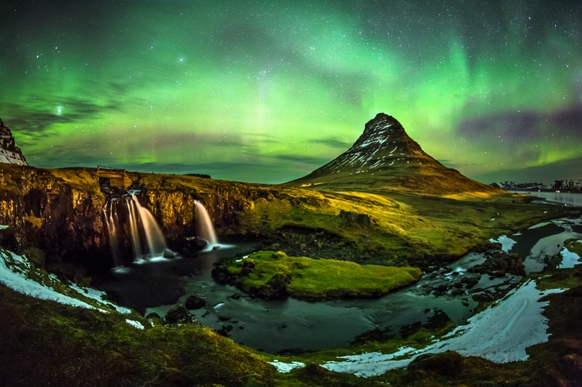 Best destinations for aurora borealis - iceland
