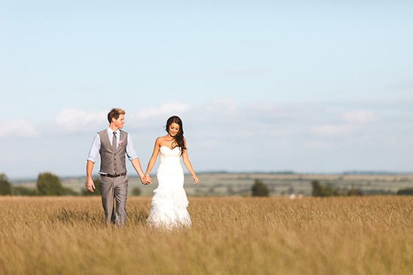 natural wedding photographs