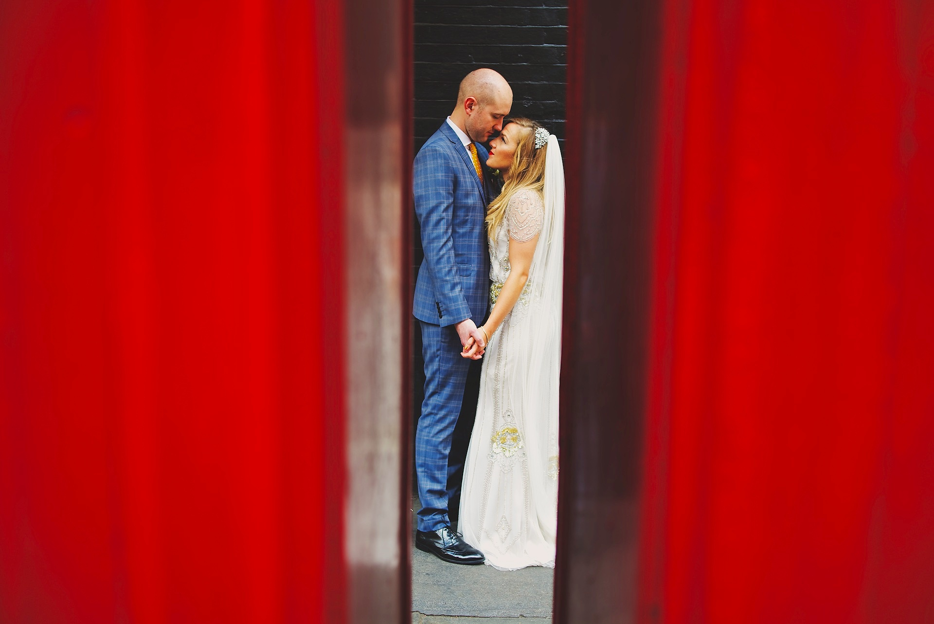 London City Wedding bride and groom From Matthew Long Photography