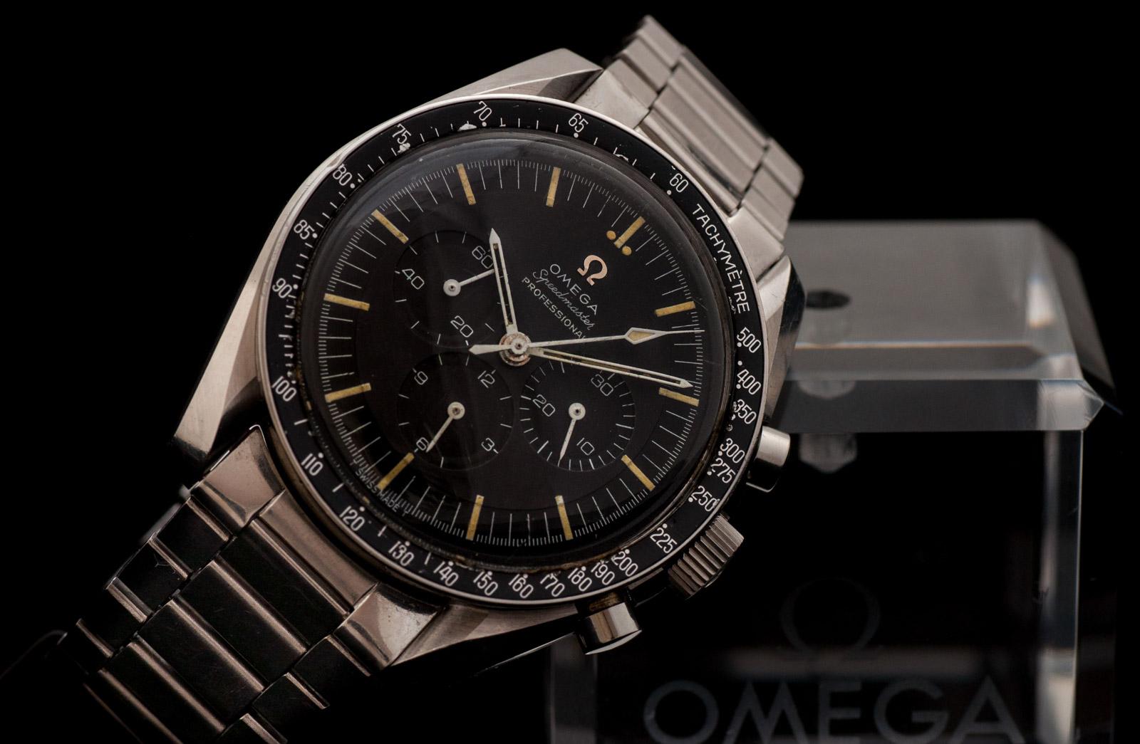 Omega Speedmaster Professional fra 1966. Fortsatt i produksjon, koster like mye som en Apple Watch Edition, men trenger ikke programvareoppdateringer.
