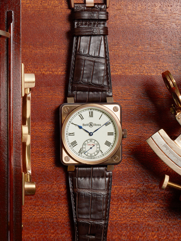 g27-01-horloge-br01-marine-hypercrop