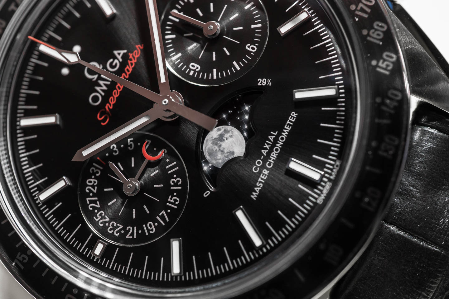omega-speedmaster-moonphase-co-axial-chronograph-0640