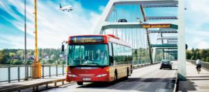 Bild på LLT buss som kör över bergnäsbron
