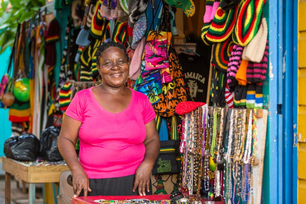 jamaica-mo-bay-craft-market-vendor