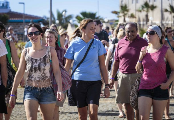 cape-verde-tourists-exploring