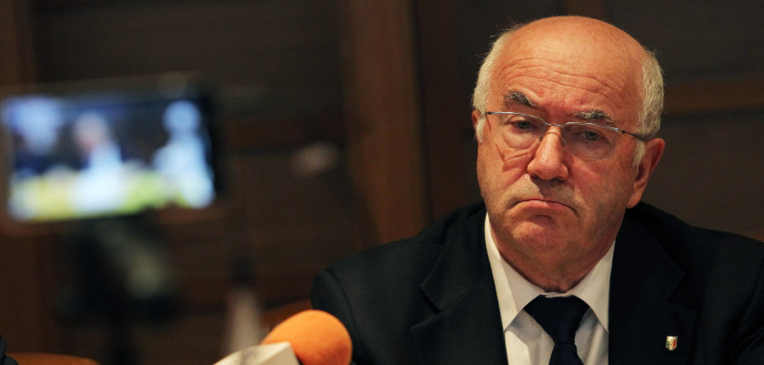ROME, ITALY - SEPTEMBER 12:  President FIGC Carlo Tavecchio attends a press conference after the Federal Council of the Italian Football Federation (FIGC) meeting on September 12, 2014 in Rome, Italy.  (Photo by Paolo Bruno/Getty Images)
