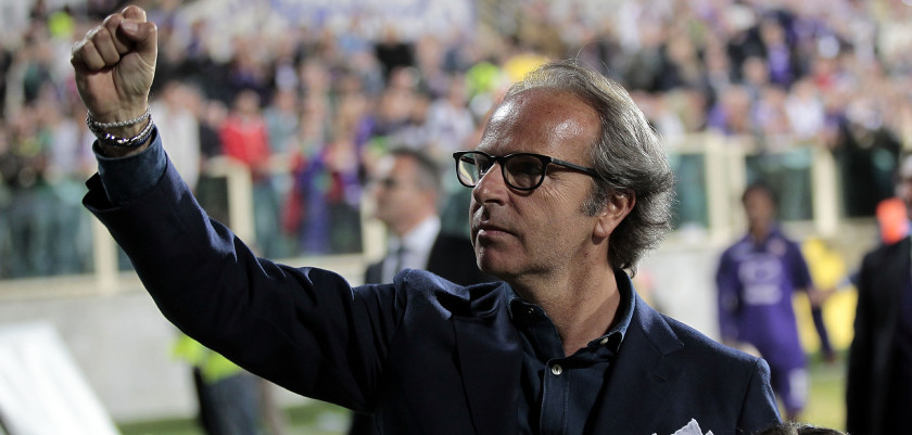 FLORENCE, ITALY - MAY 18: The President Andrea Della Valle greet the public in Florence at the end of the match during the Serie A match between ACF Fiorentina and Torino FC at Stadio Artemio Franchi on May 18, 2014 in Florence, Italy.  (Photo by Gabriele Maltinti/Getty Images)