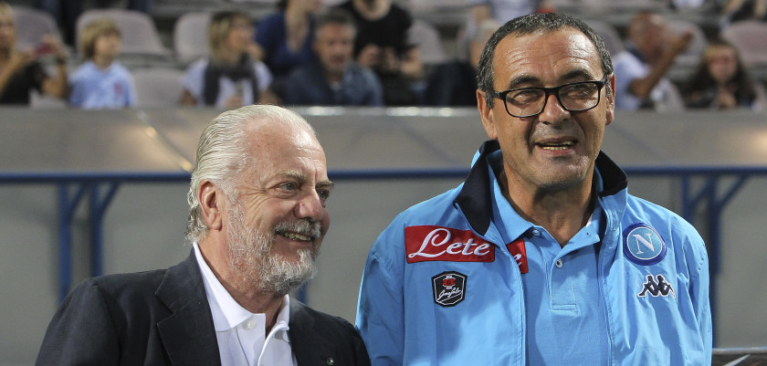 REGGIO NELL'EMILIA, ITALY - AUGUST 23:  SSC Napoli president Aurelio De Laurentiis and SSC Napoli coach Maurizio Sarri look on before the Serie A match between US Sassuolo Calcio and SSC Napoli at Mapei Stadium - Citt? del Tricolore on August 23, 2015 in Reggio nell'Emilia, Italy.  (Photo by Marco Luzzani/Getty Images)