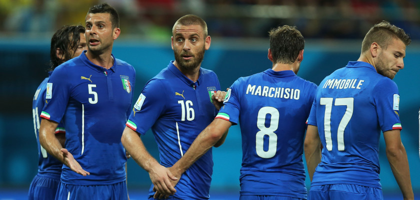 MANAUS, BRAZIL - JUNE 14:  (L - R) Thiago Motta of Italy and Daniele De Rossi in action during the 2014 FIFA World Cup Brazil Group D match between England and Italy at Arena Amazonia on June 14, 2014 in Manaus, Brazil.  (Photo by Richard Heathcote/Getty Images)