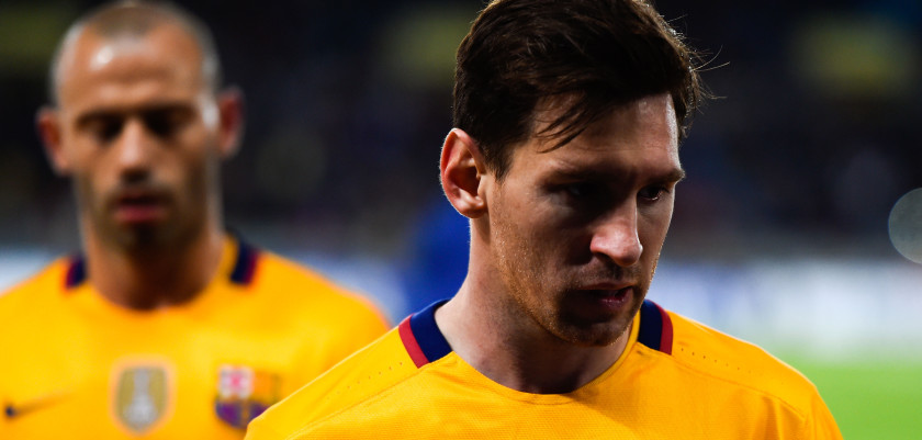 SAN SEBASTIAN, SPAIN - APRIL 09:  Lionel Messi of FC Barcelona looks dejected as he leaves the pitch at the end of the La Liga match between Real Sociedad de Futbol and FC Barcelona at Estadio Anoeta on April 9, 2016 in San Sebastian, Spain.  (Photo by David Ramos/Getty Images)
