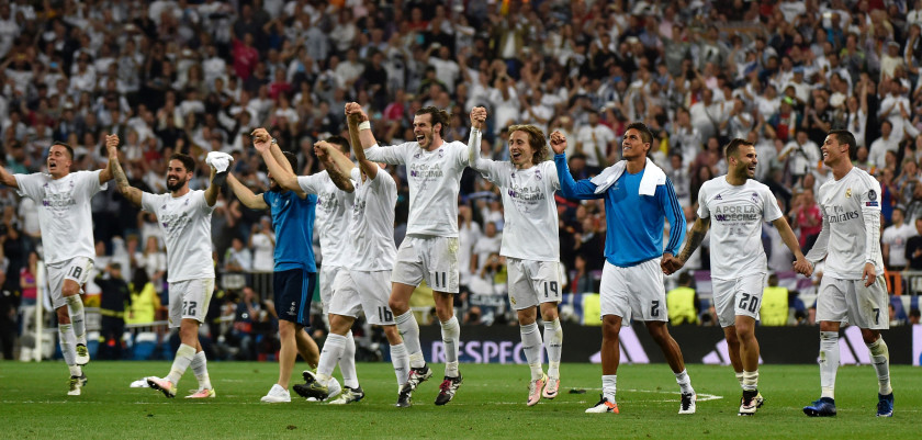 Real Madrid players celebrate their victory at the end of the UEFA Champions League semi-final second leg football match Real Madrid CF vs Manchester City FC at the Santiago Bernabeu stadium in Madrid, on May 4, 2016. Real Madrid won 1-0. / AFP / GERARD JULIEN        (Photo credit should read GERARD JULIEN/AFP/Getty Images)