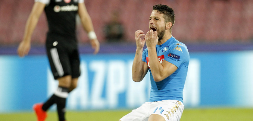 Napoli's forward from Belgium Dries Mertens reacts during the UEFA Champions League football match SSC Napoli vs Besiktas on October 19, 2016 at the San Paolo stadium in Naples.  / AFP / Carlo Hermann        (Photo credit should read CARLO HERMANN/AFP/Getty Images)