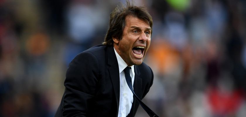 HULL, ENGLAND - OCTOBER 01:  Antonio Conte, Manager of Chelsea reacts during the Premier League match between Hull City and Chelsea at KCOM Stadium on October 1, 2016 in Hull, England.  (Photo by Laurence Griffiths/Getty Images)