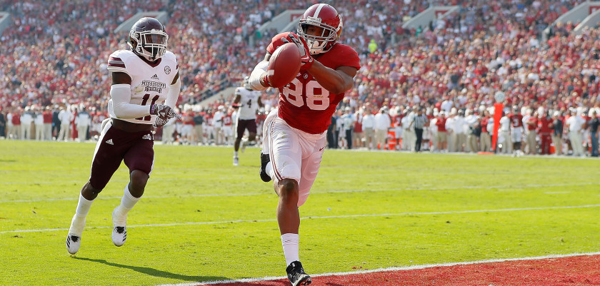 TUSCALOOSA, AL - NOVEMBER 12:  O.J. Howard #88 of the Alabama Crimson Tide fails to pull in this touchdown reception against Kivon Coman #11 of the Mississippi State Bulldogs at Bryant-Denny Stadium on November 12, 2016 in Tuscaloosa, Alabama.  (Photo by Kevin C. Cox/Getty Images)
