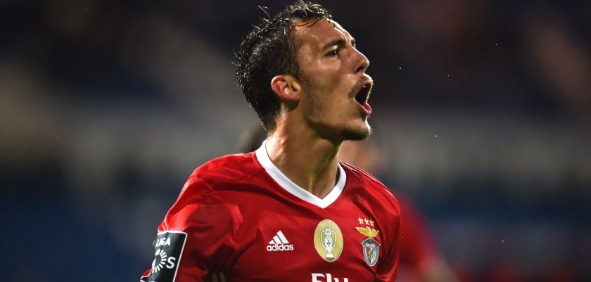 Benfica's Spanish defender Alex Grimaldo celebrates a goal during the Portuguese league football match between OS Belenenses and SL Benfica at the Restelo stadium in Lisbon on October 23, 2016. / AFP / PATRICIA DE MELO MOREIRA        (Photo credit should read PATRICIA DE MELO MOREIRA/AFP/Getty Images)