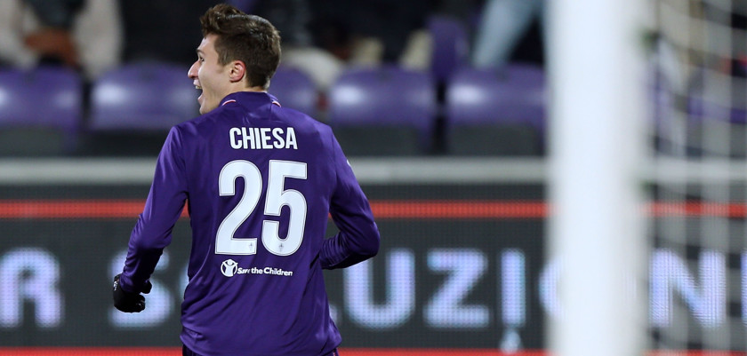 FLORENCE, ITALY - JANUARY 15: Federico Chiesa of ACF Fiorentina celebrates after scoring a goal during the Serie A match between ACF Fiorentina and Juventus FC at Stadio Artemio Franchi on January 15, 2017 in Florence, Italy.  (Photo by Gabriele Maltinti/Getty Images)