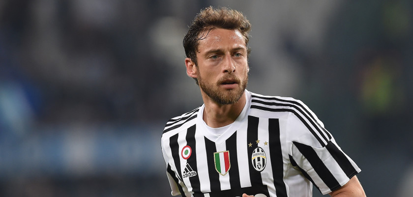 TURIN, ITALY - APRIL 02:  Claudio Marchisio of Juventus FC looks on during the Serie A match between Juventus FC and Empoli FC at Juventus Arena on April 2, 2016 in Turin, Italy.  (Photo by Valerio Pennicino/Getty Images)