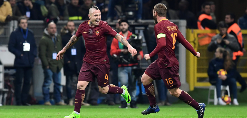 AS Roma's Belgium midfielder Radja Nainggolan celebrates after scoring a goal during the Italian Serie A football match Inter Milan vs AS Roma at the San Siro stadium in Milan on February 26, 2017. / AFP / MIGUEL MEDINA        (Photo credit should read MIGUEL MEDINA/AFP/Getty Images)
