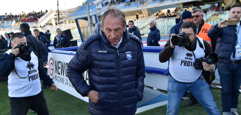 PESCARA, ITALY - FEBRUARY 19:  Zdenek Zeman head coach of Pescara Calcio prior the Serie A match between Pescara Calcio and Genoa CFC at Adriatico Stadium on February 19, 2017 in Pescara, Italy.  (Photo by Giuseppe Bellini/Getty Images)
