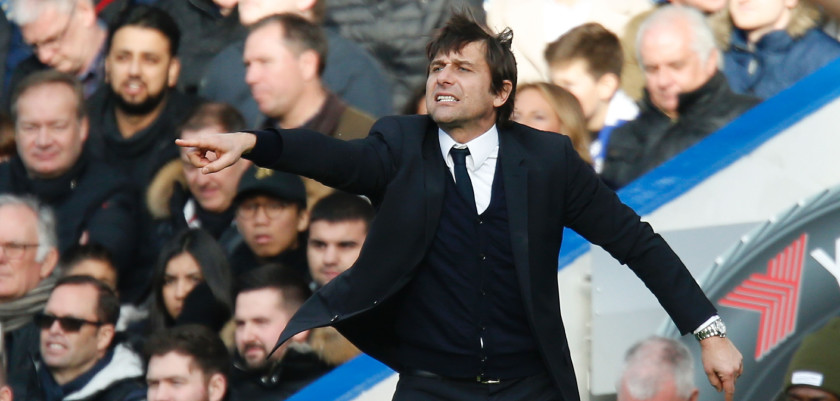 Chelsea's Italian head coach Antonio Conte gestures from the touchline during the English Premier League football match between Chelsea and Arsenal at Stamford Bridge in London on February 4, 2017. / AFP / Ian KINGTON / RESTRICTED TO EDITORIAL USE. No use with unauthorized audio, video, data, fixture lists, club/league logos or 'live' services. Online in-match use limited to 75 images, no video emulation. No use in betting, games or single club/league/player publications.  /         (Photo credit should read IAN KINGTON/AFP/Getty Images)