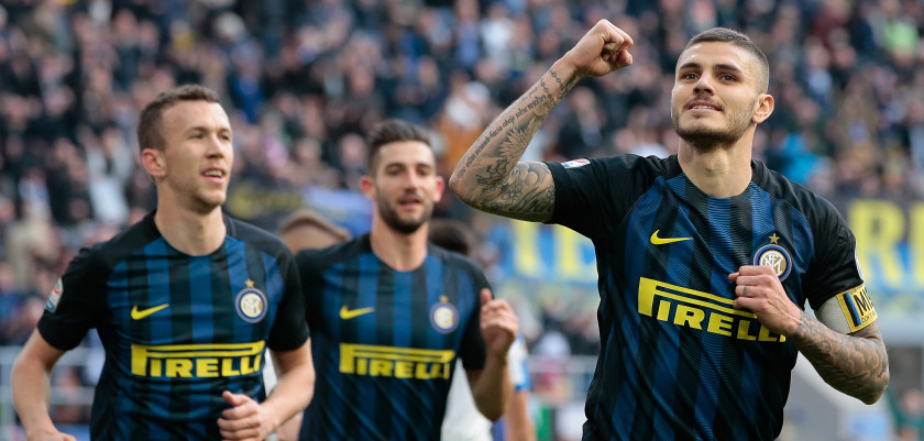 MILAN, ITALY - MARCH 12:  Mauro Emanuel Icardi of FC Internazionale Milano (R) celebrates his second goal during the Serie A match between FC Internazionale and Atalanta BC at Stadio Giuseppe Meazza on March 12, 2017 in Milan, Italy.  (Photo by Emilio Andreoli/Getty Images)