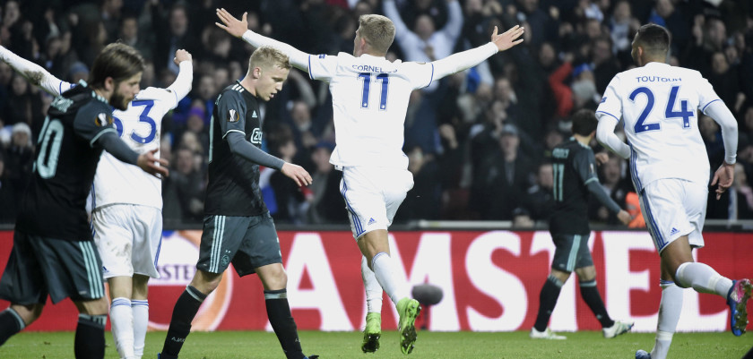 Copenhagen's Andreas Cornelius (C) celebrates after scoring the 2-1 goal during the UEFA Europa League Round of 16, first leg football match FC Copenhagen v Ajax Amsterdam on March 9, 2017 in Copenhagen, Denmark. / AFP PHOTO / Scanpix Denmark AND Scanpix / Claus Bech / Denmark OUT        (Photo credit should read CLAUS BECH/AFP/Getty Images)